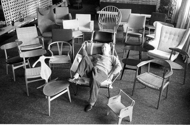 1-just-one-chair-wegner